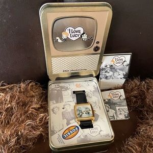 I love Lucy watch authentic look at pics👀👇